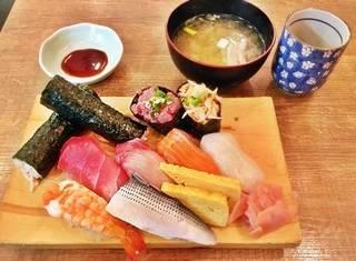 寿司盛合せ 8貫