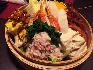 ズワイガニと赤海老の創作蒸し鍋