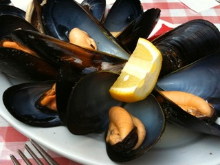 ムール貝の胡椒蒸し