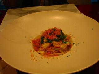 タラバ蟹と九条葱のスパゲッティ カラスミ添え