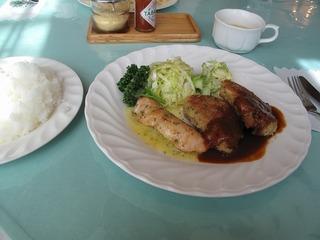 鮭のムニエルとポークカツレツ