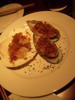 ムール貝とホタテの香草パン粉焼き