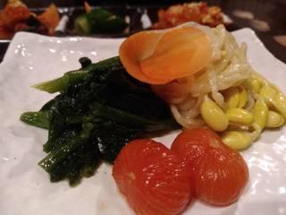 名物 神戸牛カルビを含んだお得な焼肉コース