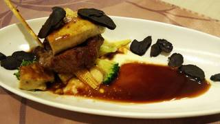 フォアグラと和牛ステーキのロッシーニ風 ソースペリグー