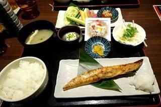 サーモンのハラス焼き定食