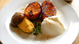 スイートポテトと白ゴマシロップのフレンチトースト
