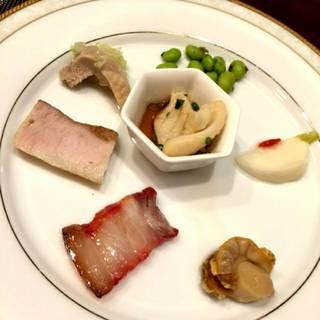 香港式焼き物と前菜盛り合わせ