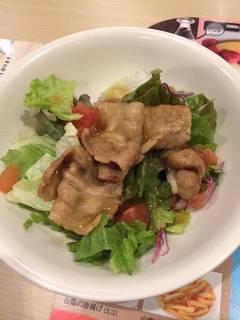 甘辛ポークのサラダ