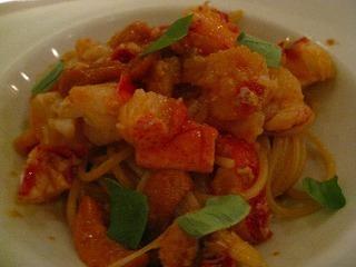 オマール海老まるごと一匹使ったスパゲッティー