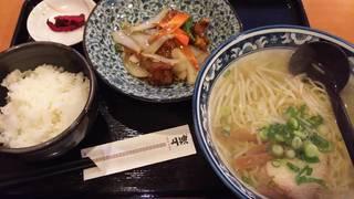 しおラーメンと酢豚