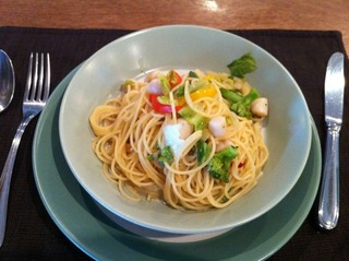 小柱と季節野菜、アンチョビのスパゲッティ