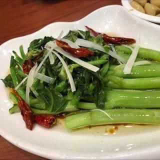 青梗菜と鷹の爪の炒め