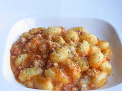 ジャガイモのニョッキ 鶏のミンチのトマトソース