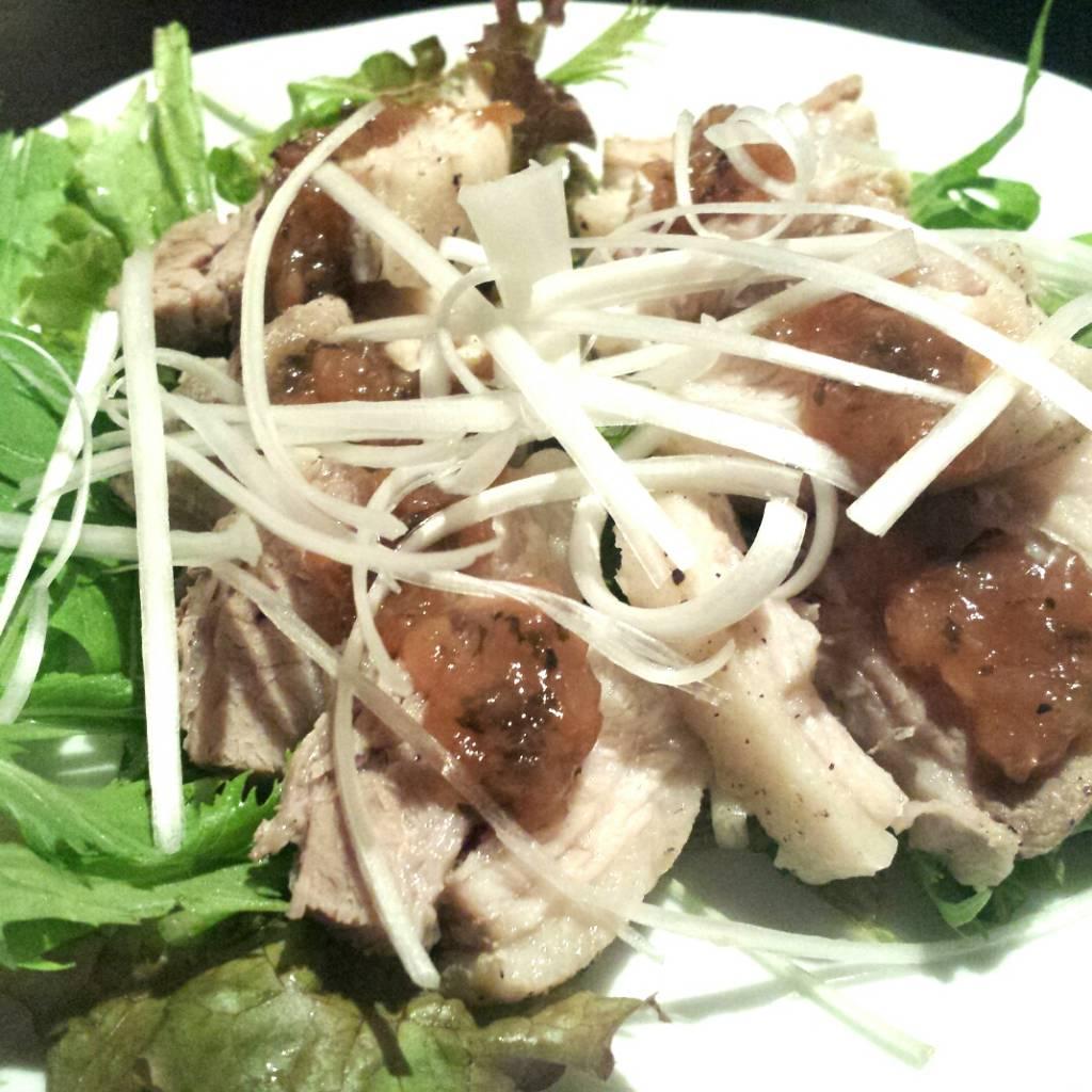 豚肉の梅肉ソースかけ