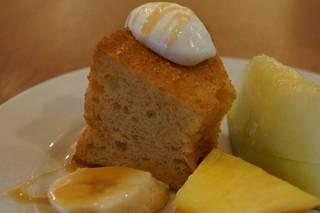新メニューのバナナシフォンケーキ