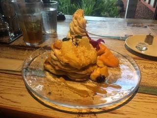 フレッシュマンゴーパンケーキ