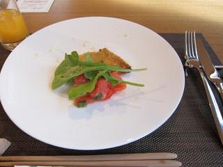 ハーブ香るかじき鮪とグラナのパネ 有機バジルとトマトのマリナード