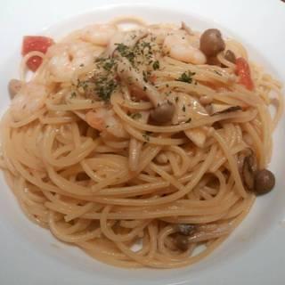 海老とキノコのペペロンチーノ