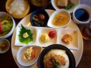 朝倉づくしの豆腐ランチプレート(甘味&ドリンク付き)Cランチ