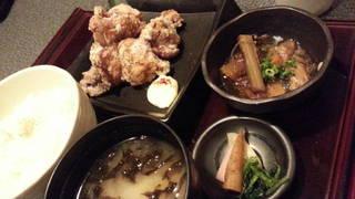 若鶏の塩麹ザンギ定食