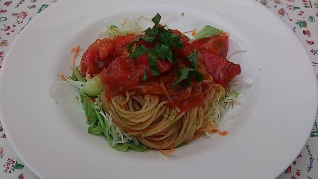 冷製トマトのパスタ