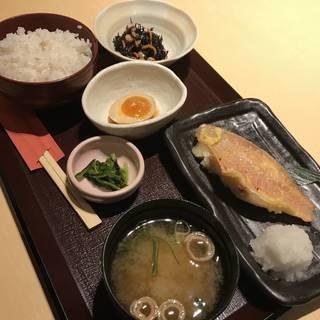 季節の焼魚定食