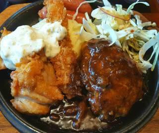 合挽ハンバーグとジューシーチキン南蛮の盛り合わせ膳