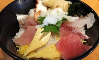 日本海の盛り込み丼