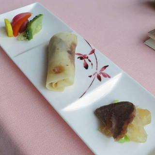 本格窯焼き北京ダックと彩り野菜マリネのコンビネーション