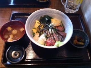 ランチタイム 海鮮三種丼