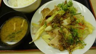 豚肉とたっぷり冬野菜炒め定食