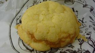 極上バターメロンパン