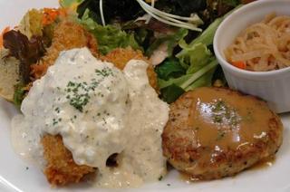 広島産カキフライと豆腐ハンバーグ
