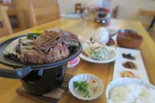 近江牛と季節野菜の炙り御膳