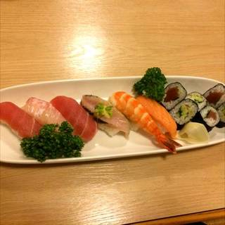 お寿司の盛り合わせ