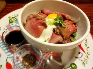 M4.ローストビーフ丼