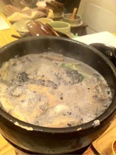 黒ゴマの豆乳鍋