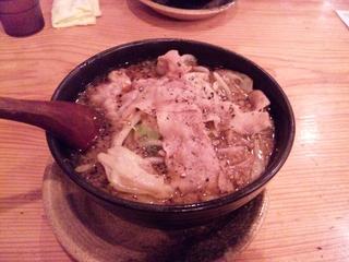 大阪黒醤油ラーメン