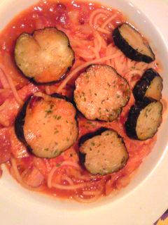 ナスとベーコンのシチリア風スパゲッティ