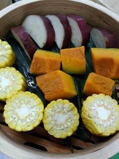 ディナーバイキングの野菜の蒸篭蒸し