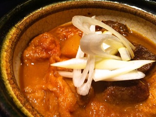 牛タンと仙台麸の味噌煮込み