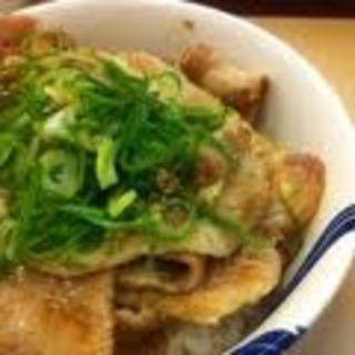 塩豚カルビ丼