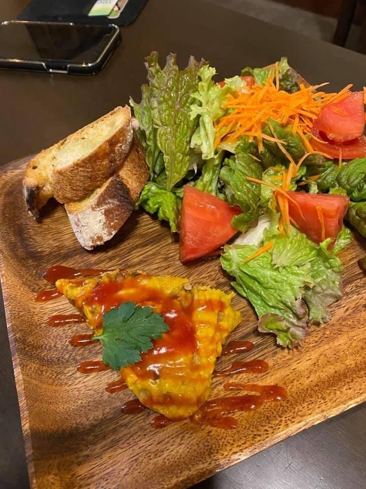 野菜たっぷりのサラダプレート