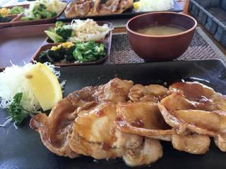 紅豚の生姜焼き定食