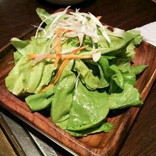 東京苑サラダ
