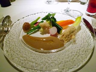 蟹のクネルと野菜たっぷりのサラダ 蟹みそのソース