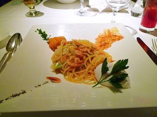 桜海老と雲丹のスパゲッティ カルボナーラ仕立て