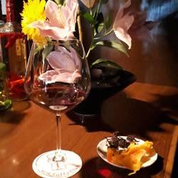 ワイン、ドライフルーツ、チーズ