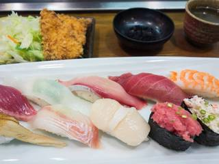 寿司ダブル定食
