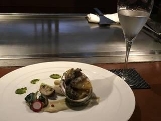 活蝦夷鮑のステーキと温野菜